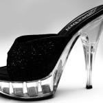 Boty s vysokým podpatkem